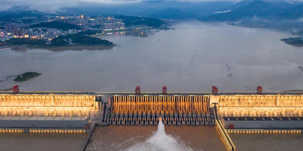 China se protege contra enchentes devido ao aumento do rio Yangtze