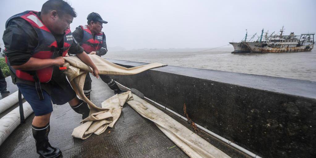 Província de Zhejiang eleva alerta para o tufão Chanthu ao nível mais alto