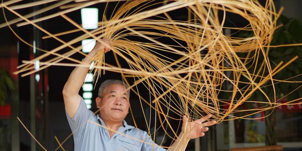Fotos: Herdeiro das técnicas de tecelagem de bambu em Jiangxi