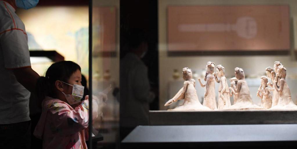Turistas visitam Museu de Henan durante feriado do Festival da Lua